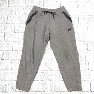 Nike Women Tech Fleece Joggers A125